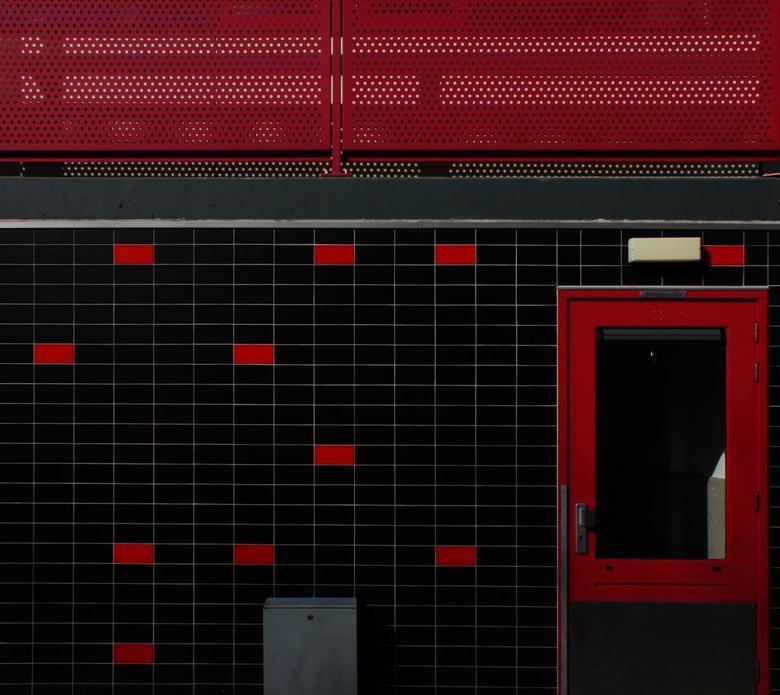 Flats Leiderdorp 9 - In leiderdorp zijn enkele flats gerenoveerd en hebben verschillende kleuren gekregen. Tevens zijn er enkele nieuwe flats bijgebou