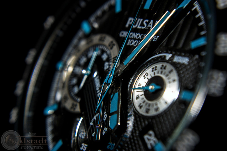 Watch this 2 - Tweede foto van hetzelfde horloge. Ook hier weer geprobeerd de foto zo interessant mogelijk te maken.