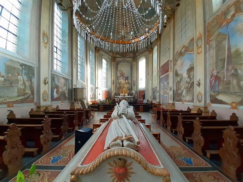 Wandeling 61 - Ik liep een van de Camini&#039;s ( nr. 5 ) en kwam daarbij langs de Sint Gerlachus <br /> kerk in Houthem die ik natuurlijk bezocht.<b