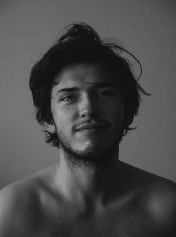 Man in Black&White -