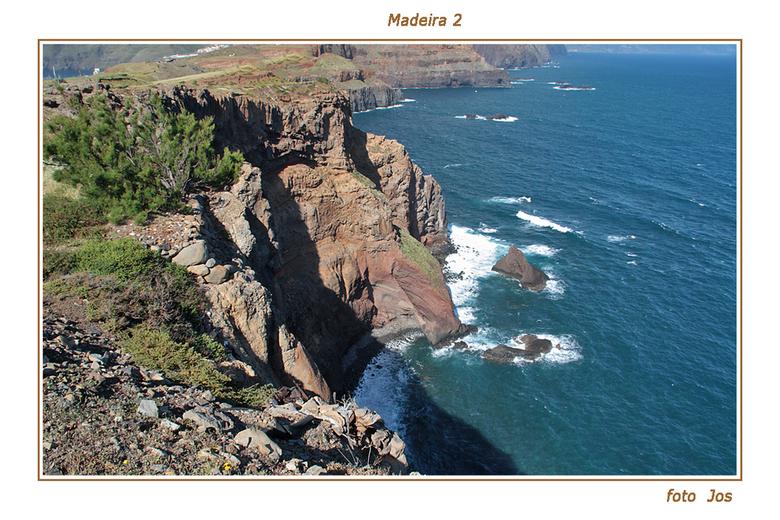 Madeira 2 - Het eiland Madeira is hemelsbreed slechts 65 km lang en zo'n 20 km breed. Toch is er een ontzettende tegenstelling. De kusten met hun