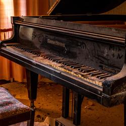Op een oude piano moet je het leren....