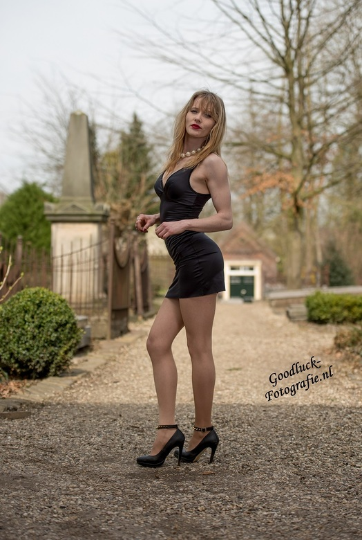 "Black dress - Model Justyna in een sexy jurk<br /> <br /> <a href=""http://www.goodluck-fotografie.nl/"">goodluck-fotografie.nl</a>"