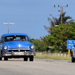 Hoofdweg naar La Habana de Cuba