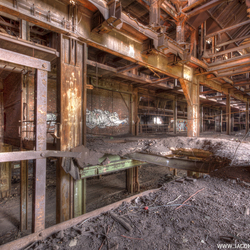 Verlaten oude staalfabriek (4)
