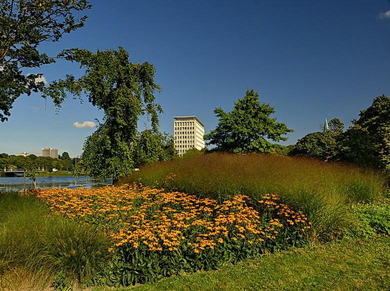 Kiel. - Deze foto is genomen vanuit het Hiroshimapark in Kiel Duitsland.<br /> 26 augustus 2013.<br /> Groetjes Bob.