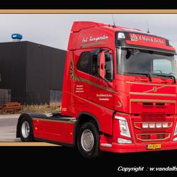 Nieuwe Volvo voor H v d Sluis en Zn transport uit Genemuiden