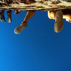 Bungelende beentjes op Santorini