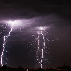 hevige bliksem boven Nederland