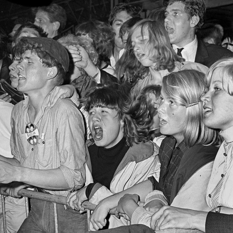 Top 2000 - Juni 1964; concert The Beatles in Blokker.<br /> Fotograaf; Harry Bedijs.<br /> Copyright: Stichting Foto Bedijs.