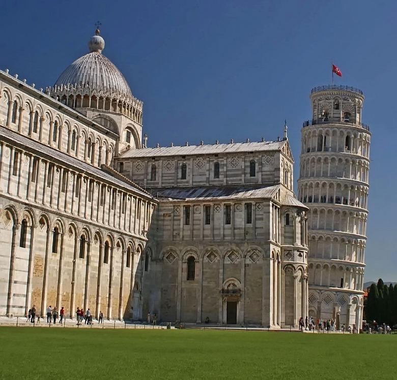 Scheve toren - Als je ooit de Italiaanse streek Toscane bezoekt,<br /> mag je natuurlijk niet voorbij gaan aan de Piazza dei Miracoli  in Pisa, <br /