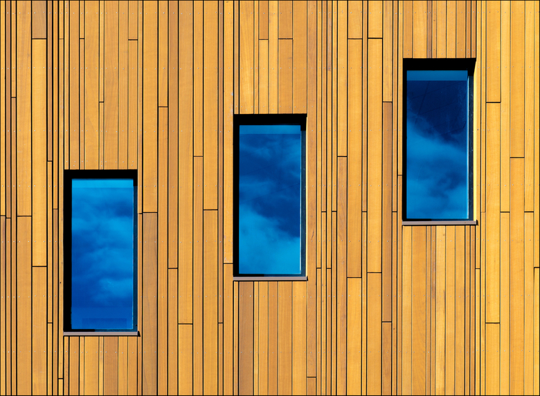 Groningen: 'Triple Blue' - Through the Window of my Eyes I can see the sunny Day...<br />