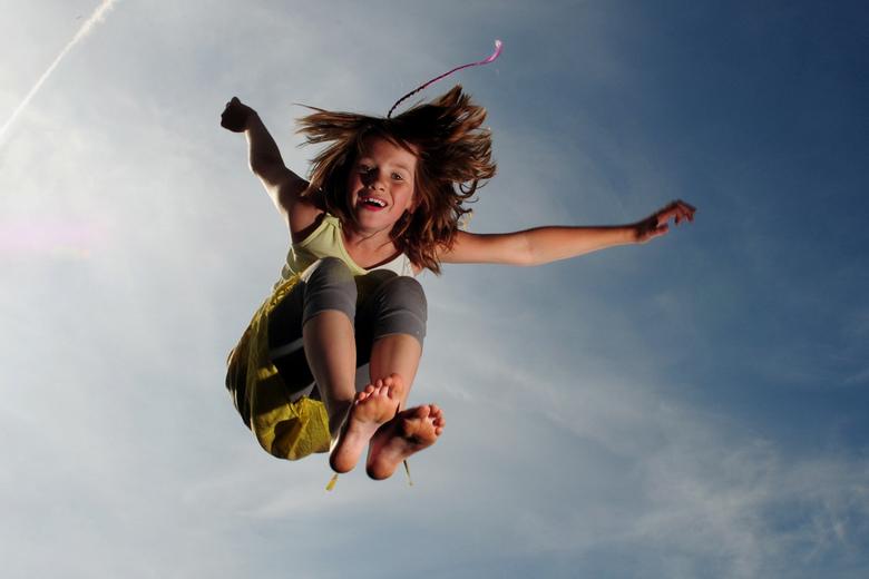 Pas op vallend kind - Voor het eerst strobist fotografie gedaan.<br /> Deze is niet bewerkt