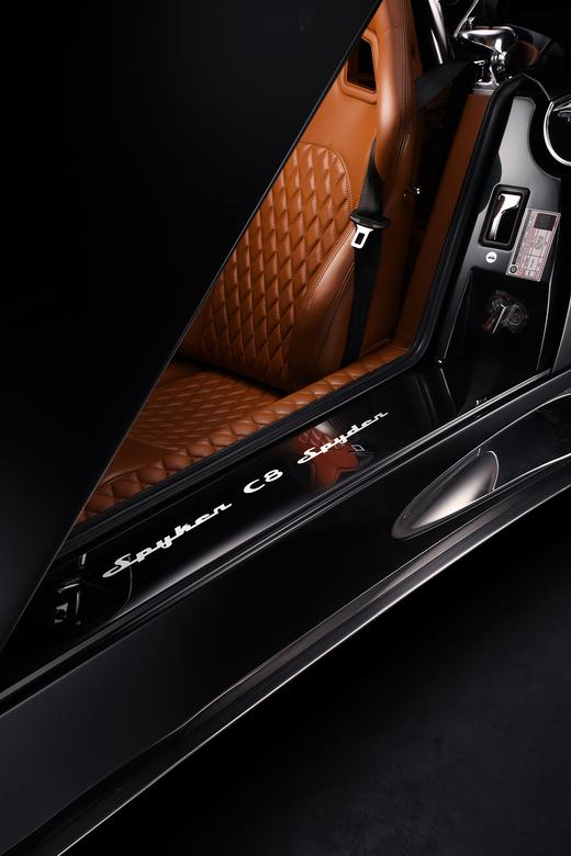 Spyker C8 Spyder  - Spyker C8 Spyder<br /> <br /> Meervoudige belichting gecombineerd in Photoshop.<br /> <br /> Car Fine Art | FDL Technique