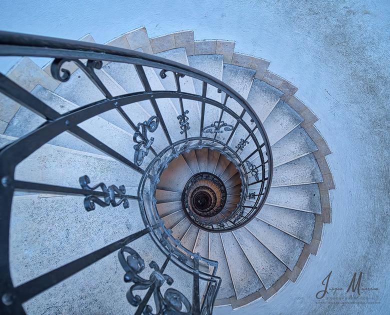 The stairs. - Heb 3x de St. Stephens Basilica in Budapest bezocht. Je kunt gewoon de entree pakken om de kerk in te komen, maar er is ook een aparte e