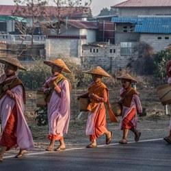 Nonnen Myanmar