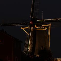 molen by night