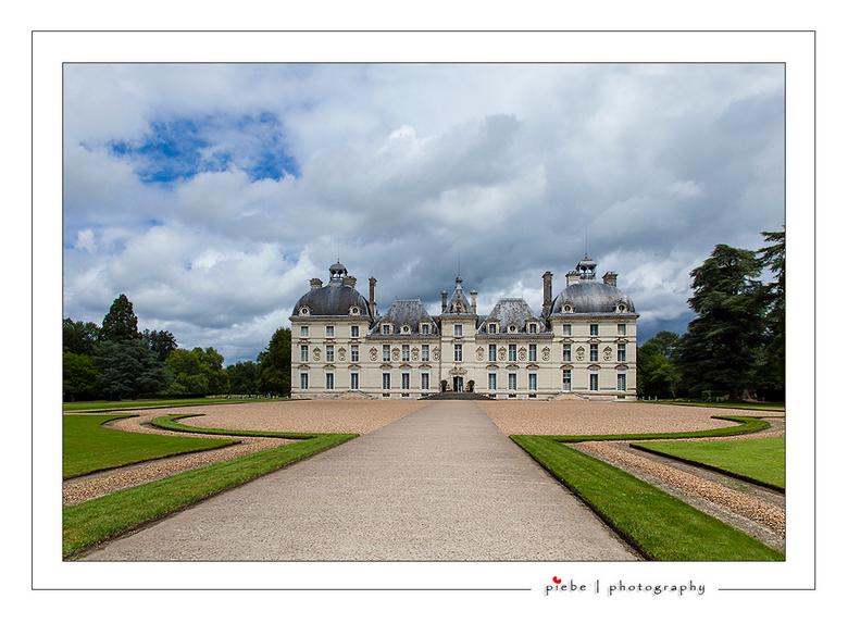 Chateau Cheverny - In onze vakantie in midden Frankrijk aan de Loire hebben we 9 kastelen bezocht.... Dus voorlopig nog even veel kastelen....<br />