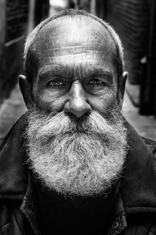 Mystery behind the beard - Een keer een hele andere stijl... Lee jeffries inspiratie