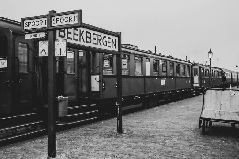 Het oude stationnetje - Het perron van treinstation Beekbergen
