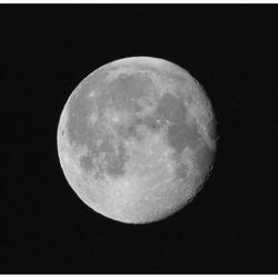 Onze buur, de maan ...