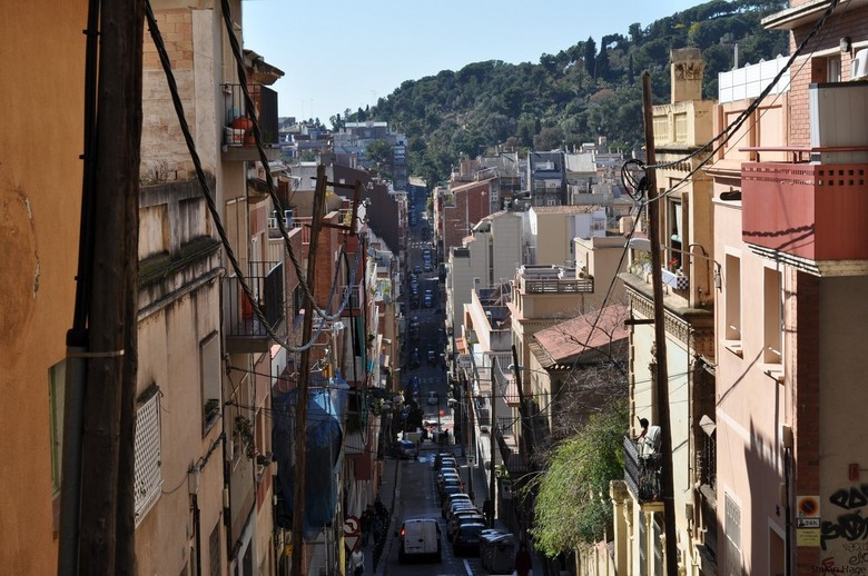 Vallcarca - Barcelona - Mooie diepte in een wijk in Barcelona. Onderweg richting Parc Güell (Gaudi) in Barcelona.