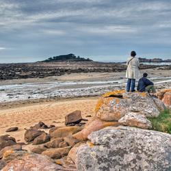 paartje aan de kust