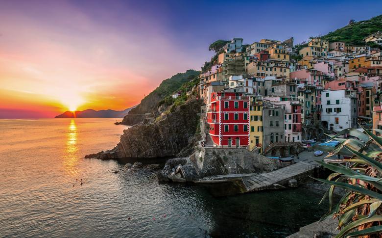 Riomaggiore sunset - Cinque Terre, Italië