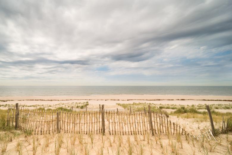 De zon wint! - Heel veel zon heb je op het strand niet nodig!