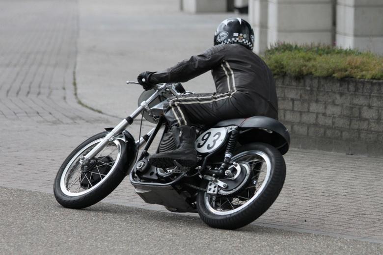 Zoef ::: - Vandaag naar een motorevent in Barneveld geweest om te oefenen met sportfotografie. Dat was nog niet zo makkelijk ...