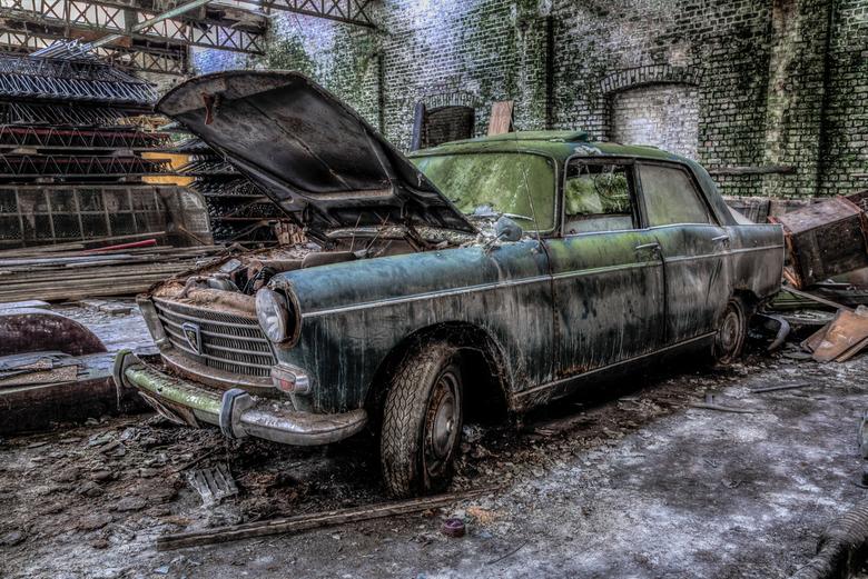 Urbex Old Car