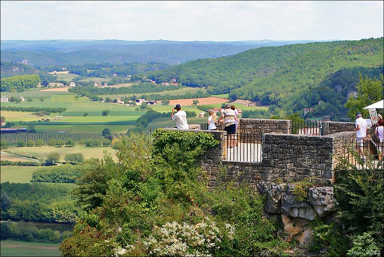 Vue sur la Dordogne. - Allemaal een heel fijn weekend.<br /> Groeten Jean