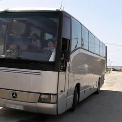 P6010100 Bussie staat klaar  Rhodos 2006