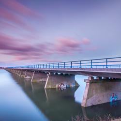 Bridge over troubled Water, Boven Leeuwen