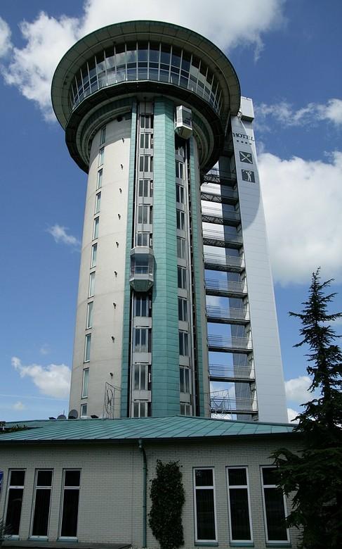 Koperen Hoogte Lichtmis - Het gebouw waarin hotel De Koperen Hoogte is gevestigd, was oorspronkelijk een watertoren die stamt uit 1932. Nadat de toren