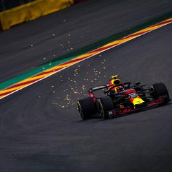 max verstappen in pouhon tijdens de 2e vrije training tijdens de grand prix van België in Spa-Francorchamps
