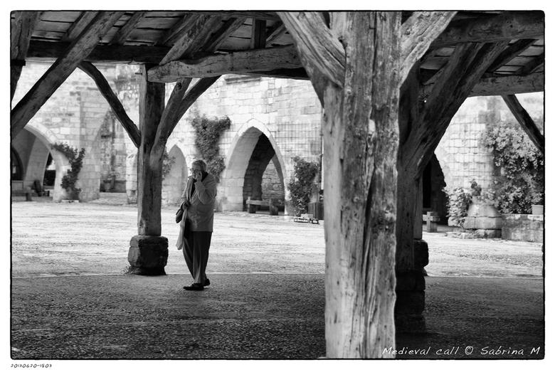 Medieval call - Gemaakt in Marmande, een klein bastide dorpje in Frankrijk.