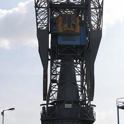 Stalen Hijskraan aan de haven in Schiedam