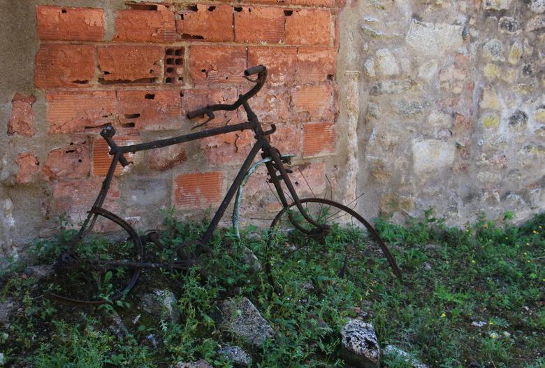 Oradour sur Glane 12 - Bekijk al mijn foto&#039;s van Oradour-sur-Glane op:<br /> http://tinyurl.com/oradour2017