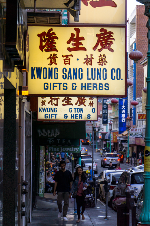 Gifts and Herbs - Chinatown - Sfeervol chinatown in San francisco
