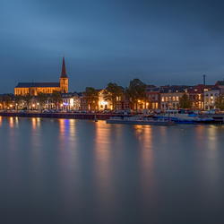 Kampen at night