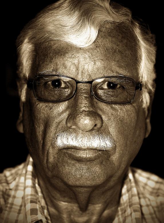 Vader - Deze closeup heb ik van mijn vader gemaakt, in juli 2010. Hij was toen 74 jaar oud.