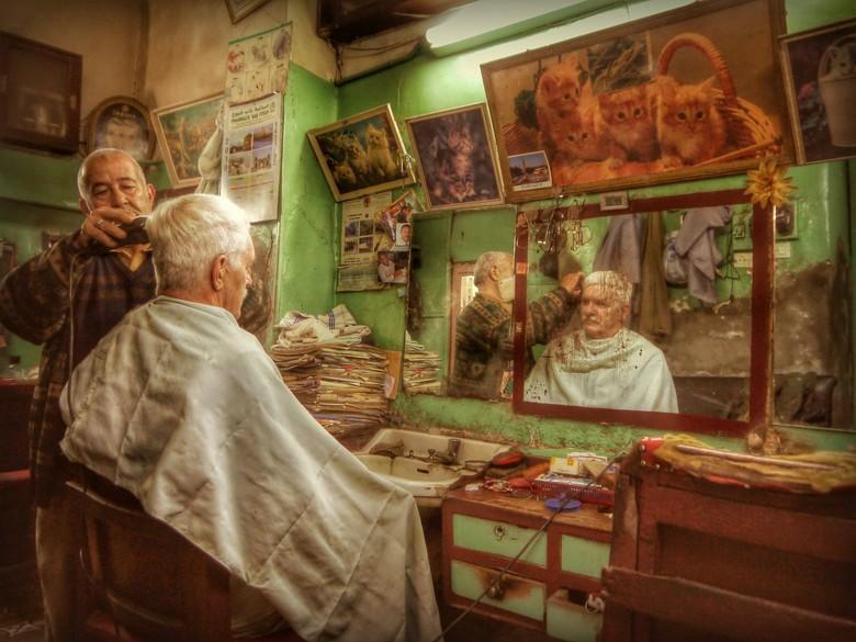 Selfie bij de kapper in Marakech - Selfie gmaaakt met de video instelling van de camera.