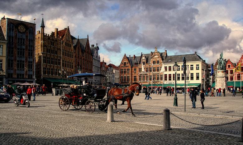 de Markt in Brugge - De grote markt in Brugge