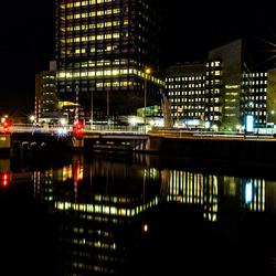 ING gebouw bij nacht in Leeuwarden