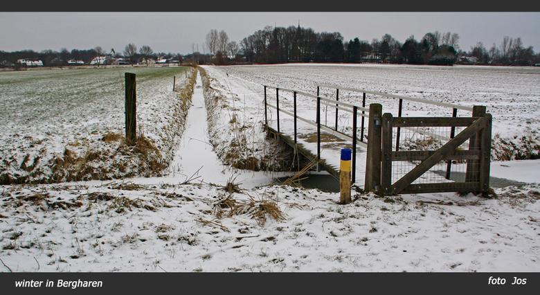 Winter in Bergharen - Het blijft maar winteren in Nederland. Vanmorgen effe 'n wandelingetje gemaakt in de buurt van Bergharen. Ieder bedankt voo