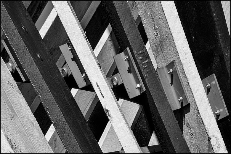 Creative mines 05 - Ik moet zeggen dat dit kunstwerk, van architect Marc Maurer, slim in elkaar zit en verrassend ritmisch van structuur. Van origine