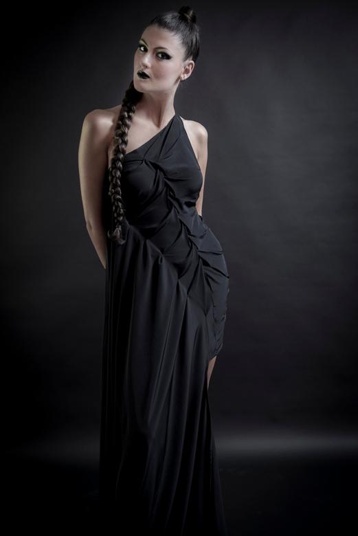 Black Onyx - Dea Della Statua