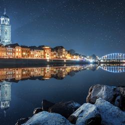 Wat als de IJssel de skyline van Deventer spiegelde...