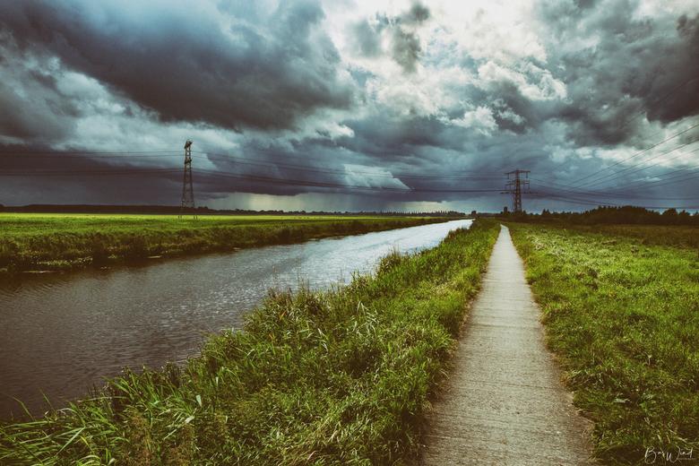 Lijnen en wolken